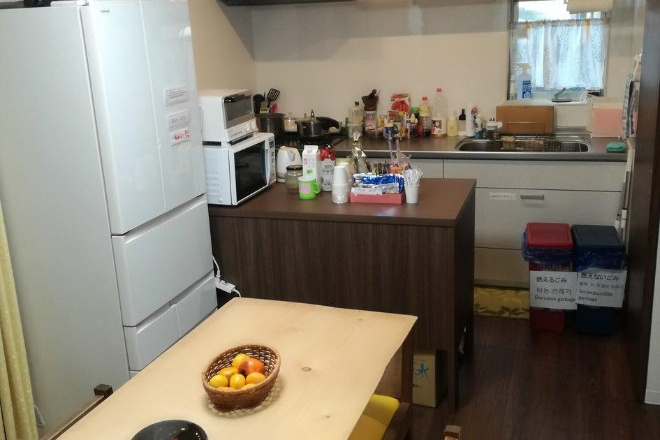 グループで宿泊出来る自由なスペースを使用でキッチンもあります。 の写真