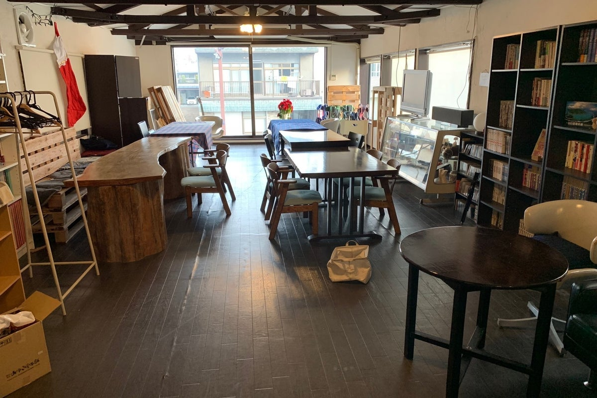 多目的イベントスペースどのようなご要望にも可能な限りお答えします。カフェ営業時間にはカフェ、お食事の御用意可能 の写真