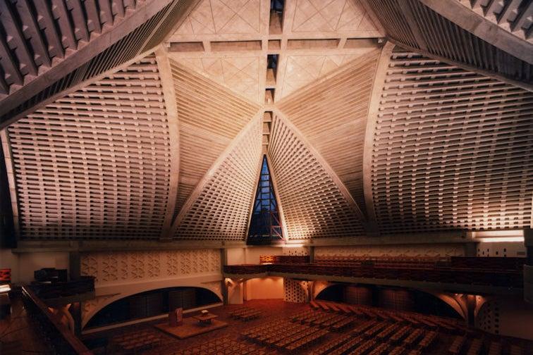 【大久保駅すぐ】天井高のある神聖なチャペルでコンサートやイベント、撮影など の写真