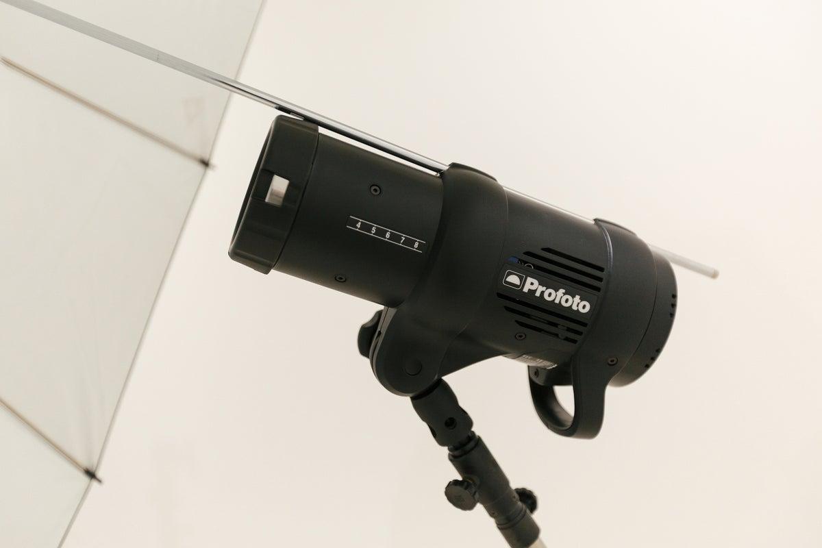 自分で本格的なスタジオ撮影ができます。ヘアメイクルーム完備で安心!  専門的な機材などレンタル可能。 の写真