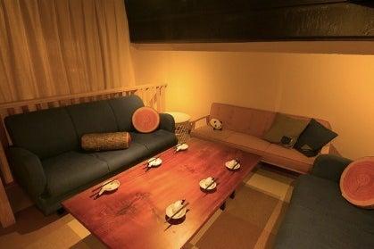 【12名VIPソファー】本格厨房キッチンをご自由に利用可能!飲食持ち込み可能。大人数のパーティ/女子会/ママ会/撮影/料理教室 の写真