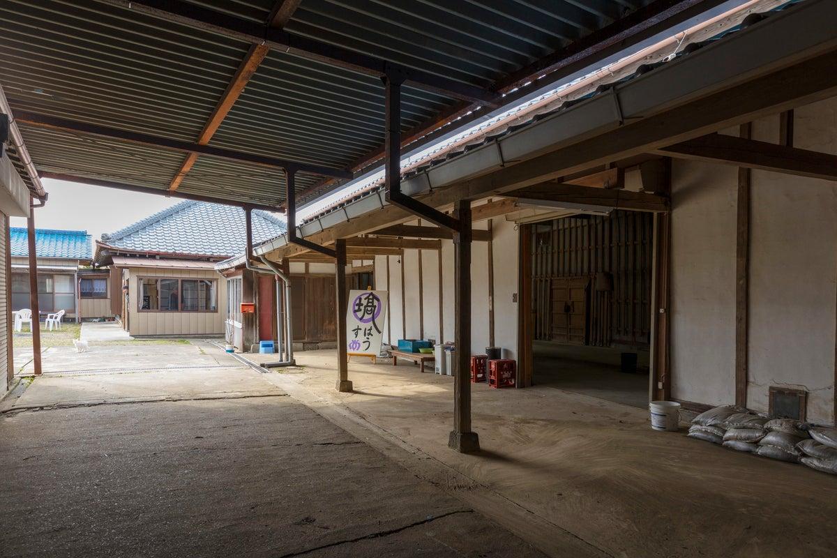 【一棟貸切】東京から1時間弱の築130年古民家と米蔵、合宿やイベント、企業研修に最適 の写真