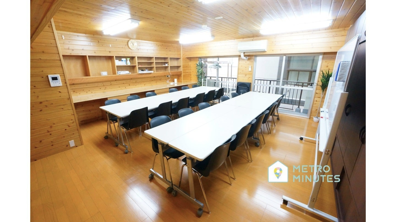 <レゾン会議室>⭐️30名収容⭐千葉駅より徒歩7分♪wifi/ホワイトボード/プロジェクタ無料 の写真