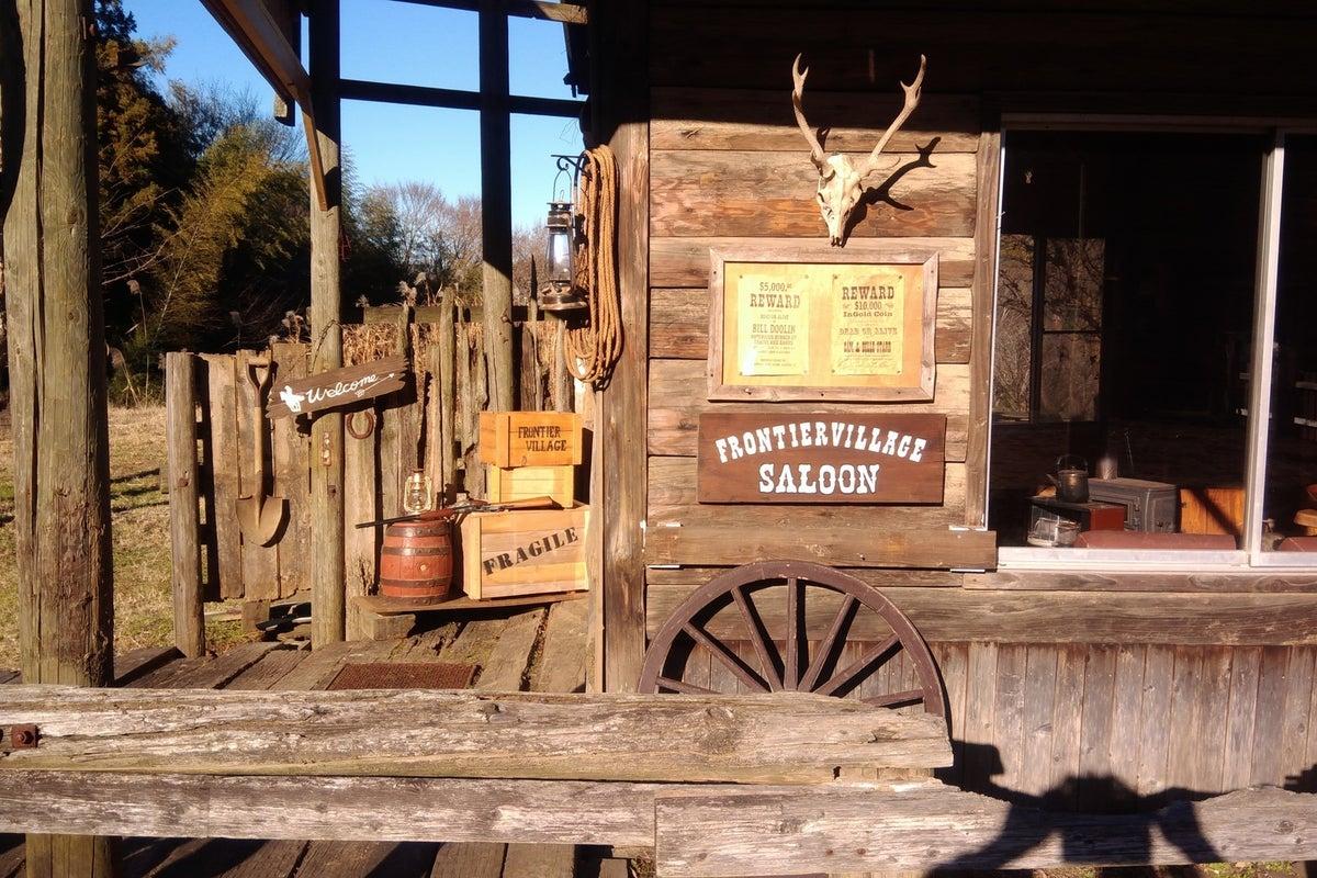 ウエスタンスタイルの牧場をまるまる貸しきってドローンの撮影など ( 屋内 + 屋外 ) の写真