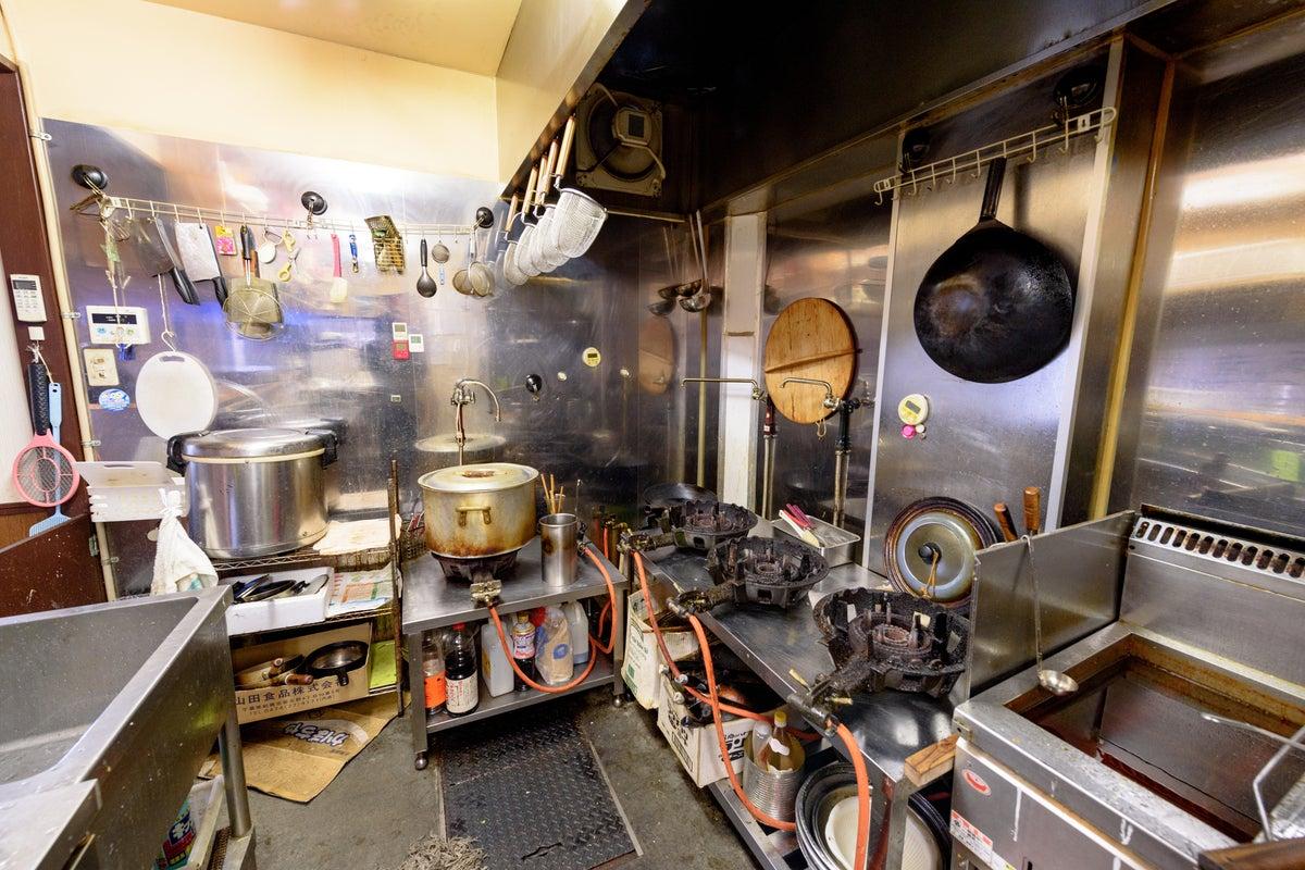 市場の食堂まるまる貸します。もちろんキッチン付き! の写真