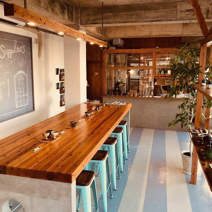 お洒落なカフェ仕様のスペース。キッチンもご利用いただけます。