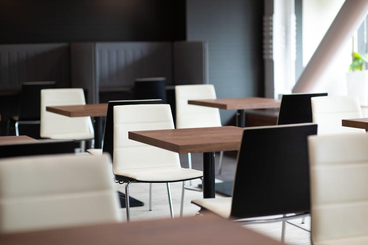 【姫路駅近】お弁当 ポットサービスあり!|WiFi完備◎ホワイトボード付|説明会・セミナー・イベント|コワーキング併設【404】 の写真