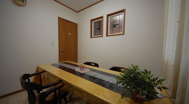 【小部屋】(収容人数4名程度)新築オープン!レンタルサロン美明日 倉敷駅徒歩5分 会議・面接・イベントなどに!