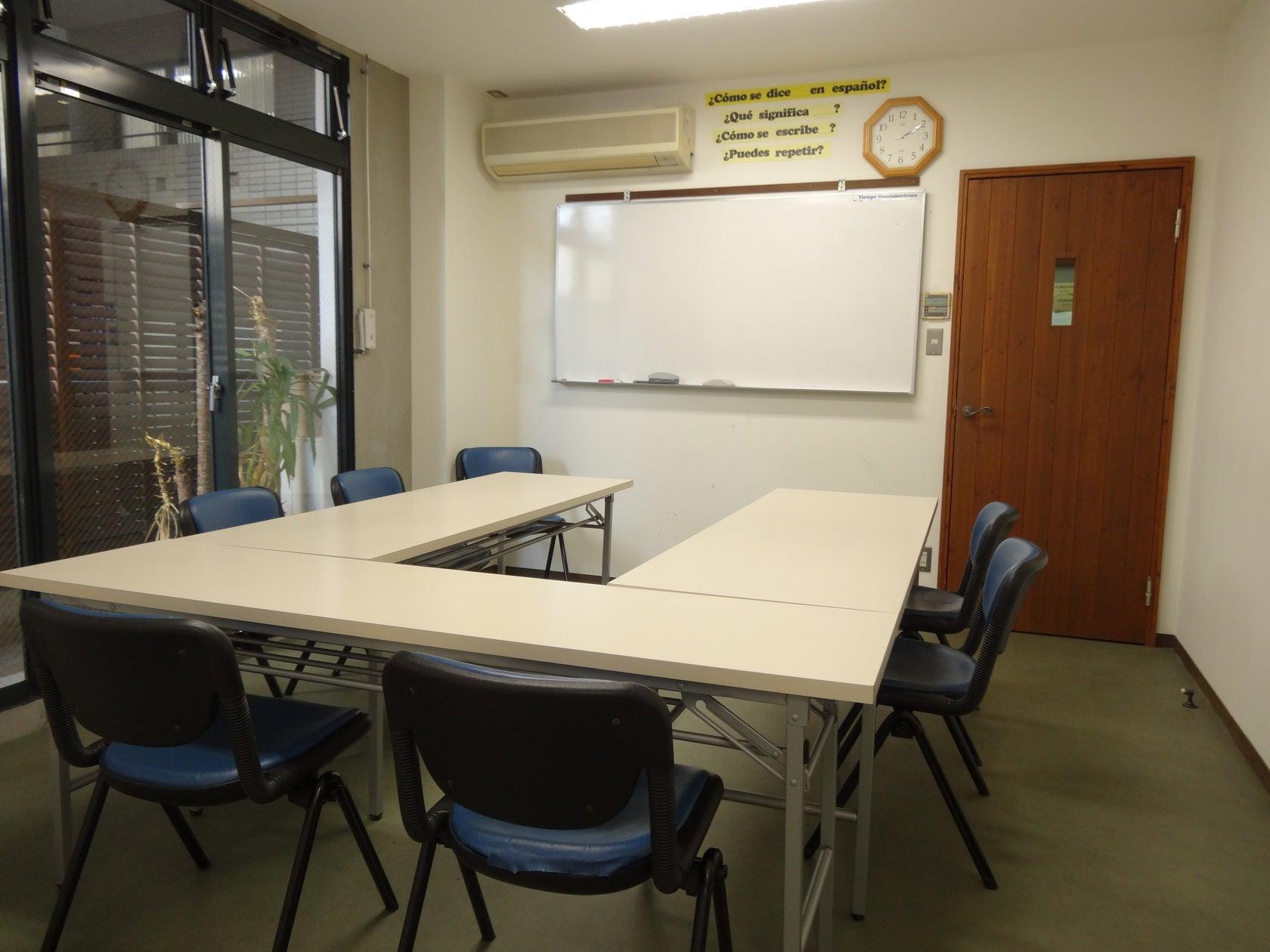 天神・大名エリアでアクセス抜群!ミーティングや教室に便利な会議室(天神・大名エリアでアクセス抜群!会議室・ミーティングルーム) の写真0