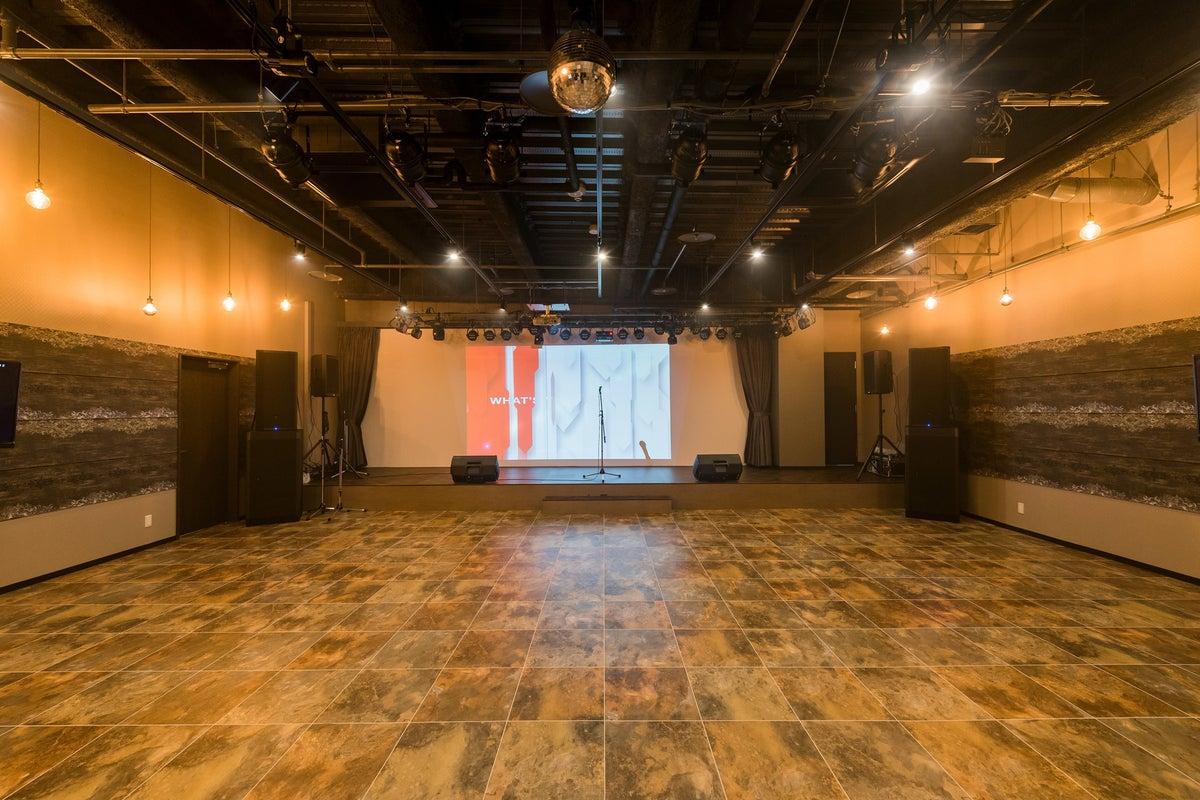本格的な音響・特殊照明設備を完備。LIVE・Clubイベント・結婚式の二次会など 多目的ホール の写真
