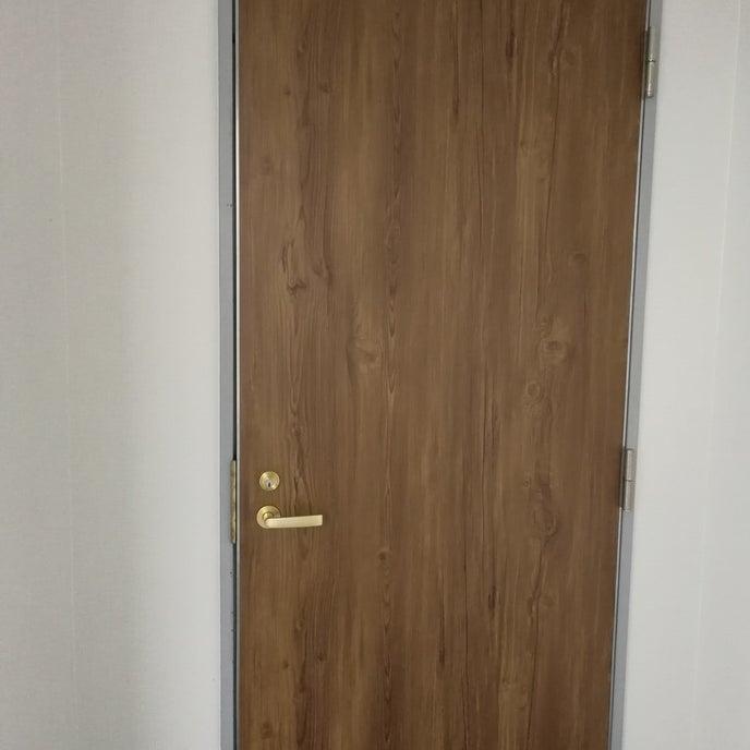 お部屋入口扉