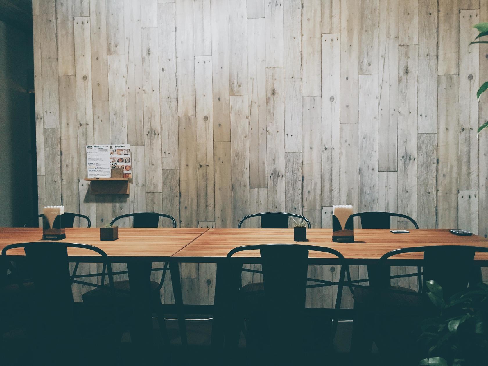 【会議やワークショップ向け】無料駐車場あり!Wifiあり!ホワイトボードあり!(那覇市首里 Cafe3-PLANT) の写真0