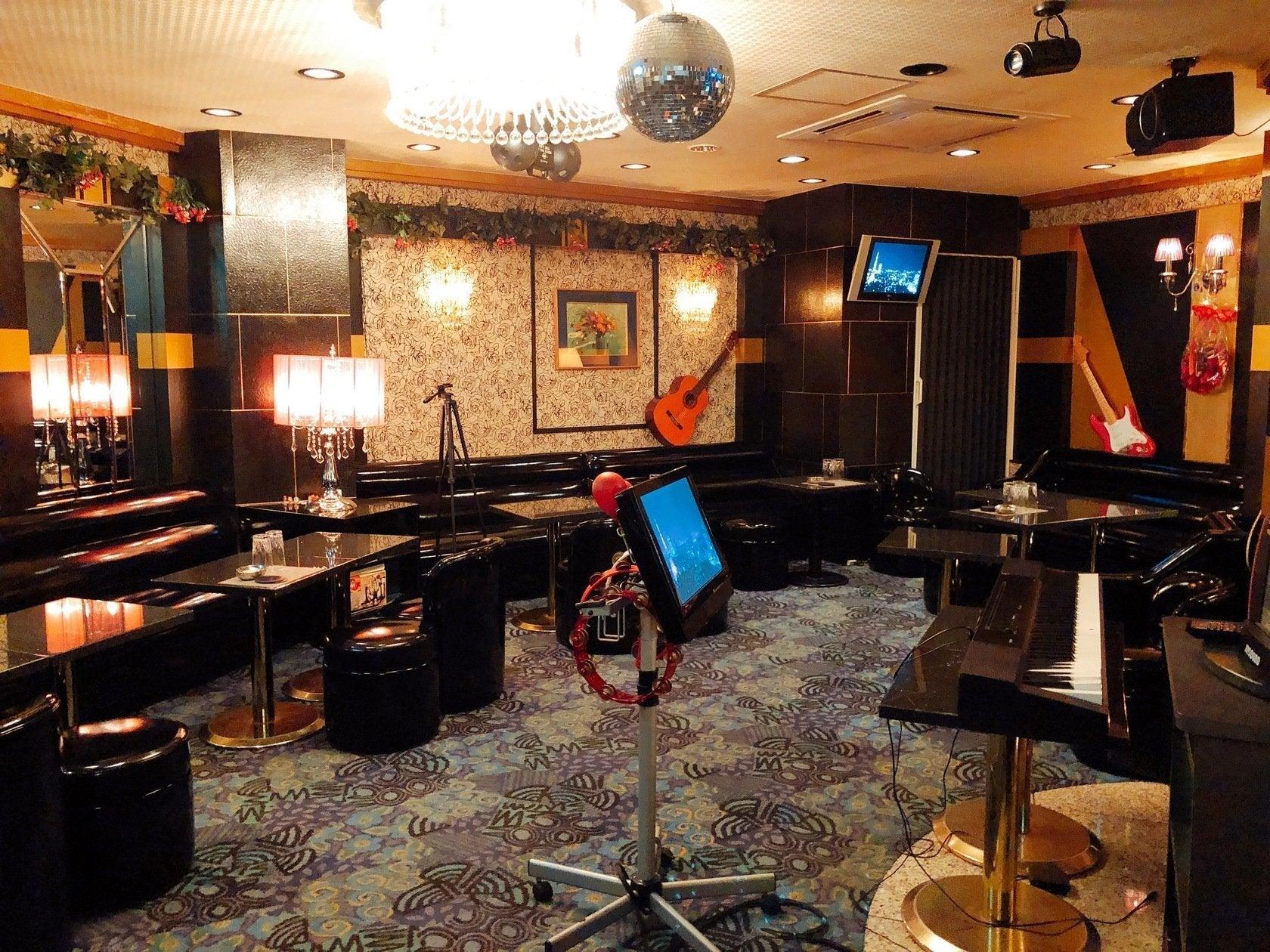 【スペースマーケット新宿歌舞伎町】⭐️トップホスト認定⭐️映画撮影の行われたラグジュアリーな空間でカラオケパーティ🎤 の写真