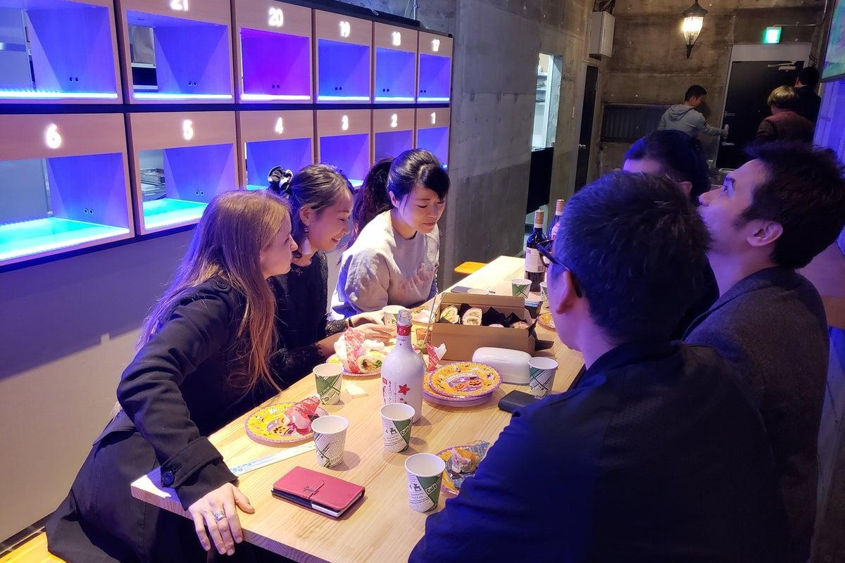 秋葉原・御徒町徒歩8分(末広町徒歩1分)の本格キッチン付き貸切スペース(飲食持込可) パーティー 室内花見 の写真