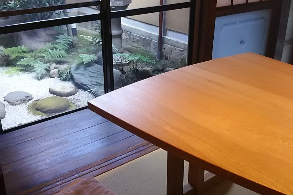 京町家の坪庭が見える可愛い小部屋です! の写真