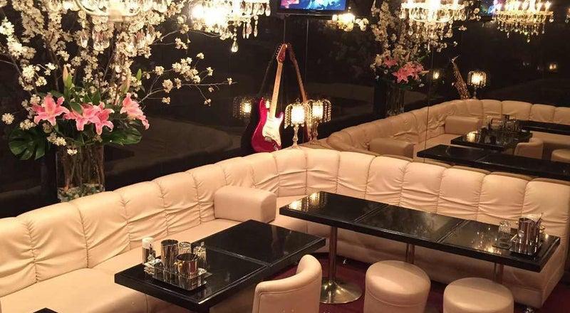 新橋駅から徒歩3分の銀座高級クラブ【78.5㎡カラオケ付き】パーティー、インドア花見、コスプレ撮影、イベント、女子会など