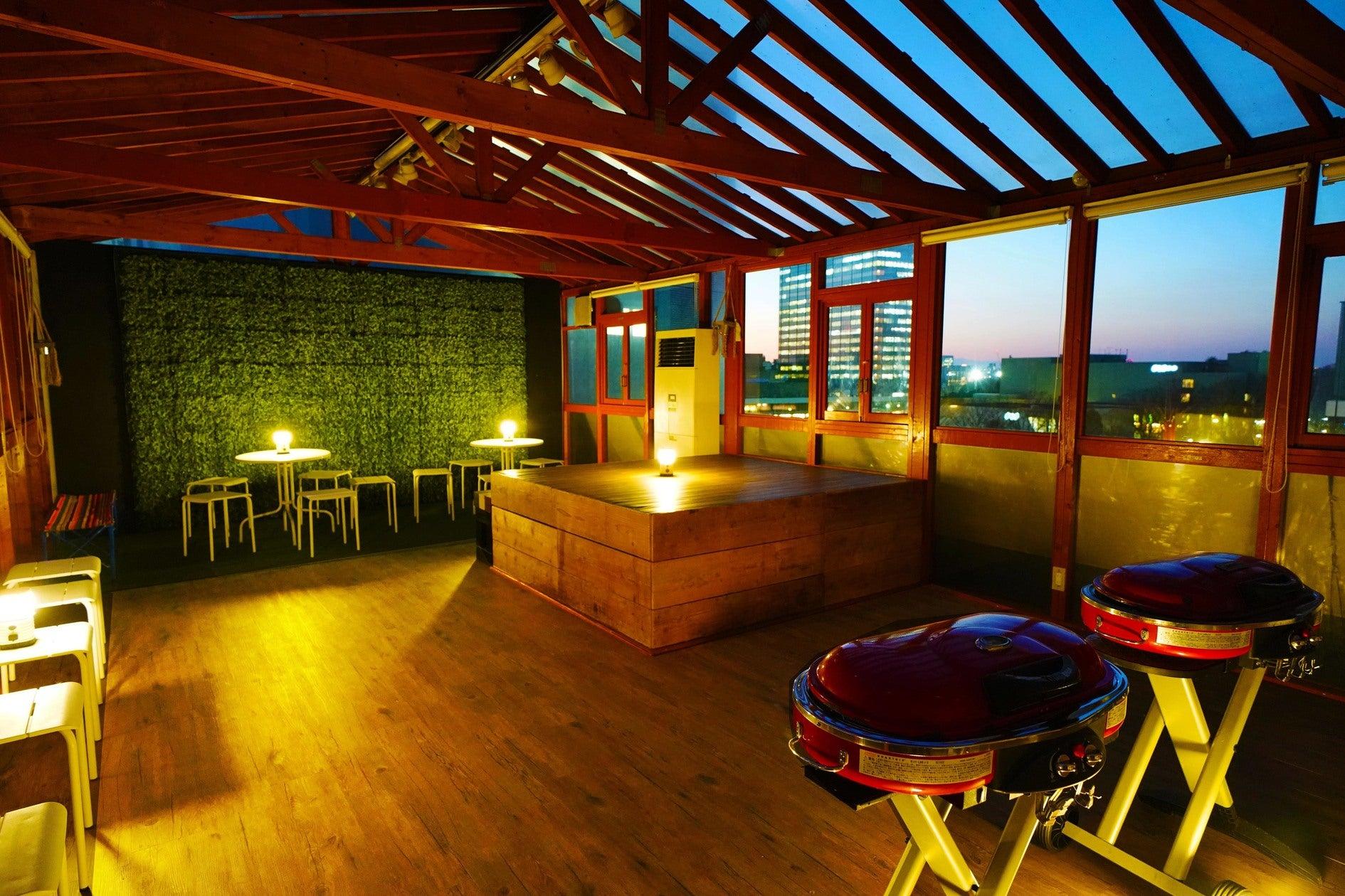 渋谷にあるBBQスペース 青空の下で大人数のパーティに最適です【渋谷・原宿 ソラハウス~貸切パーティー&室内BBQスペース~】(神南BBQソラハウス) の写真0