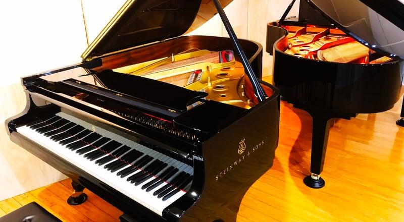 グランドピアノ2台常設!!ピアノスタジオ♫撮影やピアノの練習、小規模コンサートなどに♫