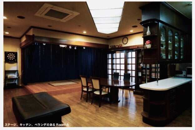 A【なんば駅徒歩5分】24時間営業のキッチン&ベランダ&ステージ付きイベントスペース ベランダでのBBQも可能!ルームA の写真