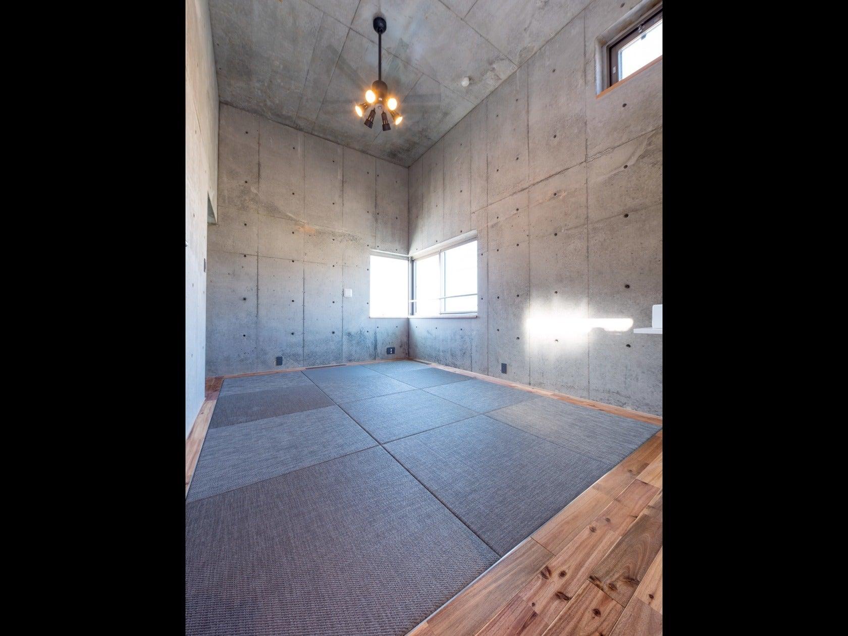 RC打ちっ放しの天井高4m おしゃれな空間で撮影・イベント・会議・セミナー・レッスンなどに。(RC打ちっ放しの天井高4m おしゃれな空間でパーティー・撮影・イベント・会議・セミナーなどに。) の写真0