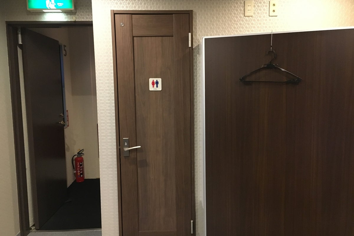 【新富町駅より徒歩2分】シェアサロン/マッサージベッド完備/個室/PREMIUM LIFE FITNESS東銀座 の写真