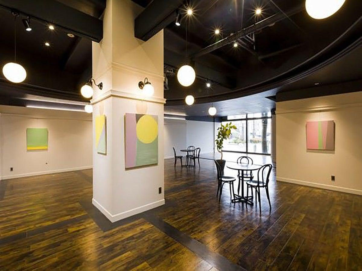 ホテル1階【ポートホール】イベントスペース(静岡県富士市ホテル。コンビニ・レストラン・大駐車場(120台)あり。) の写真0
