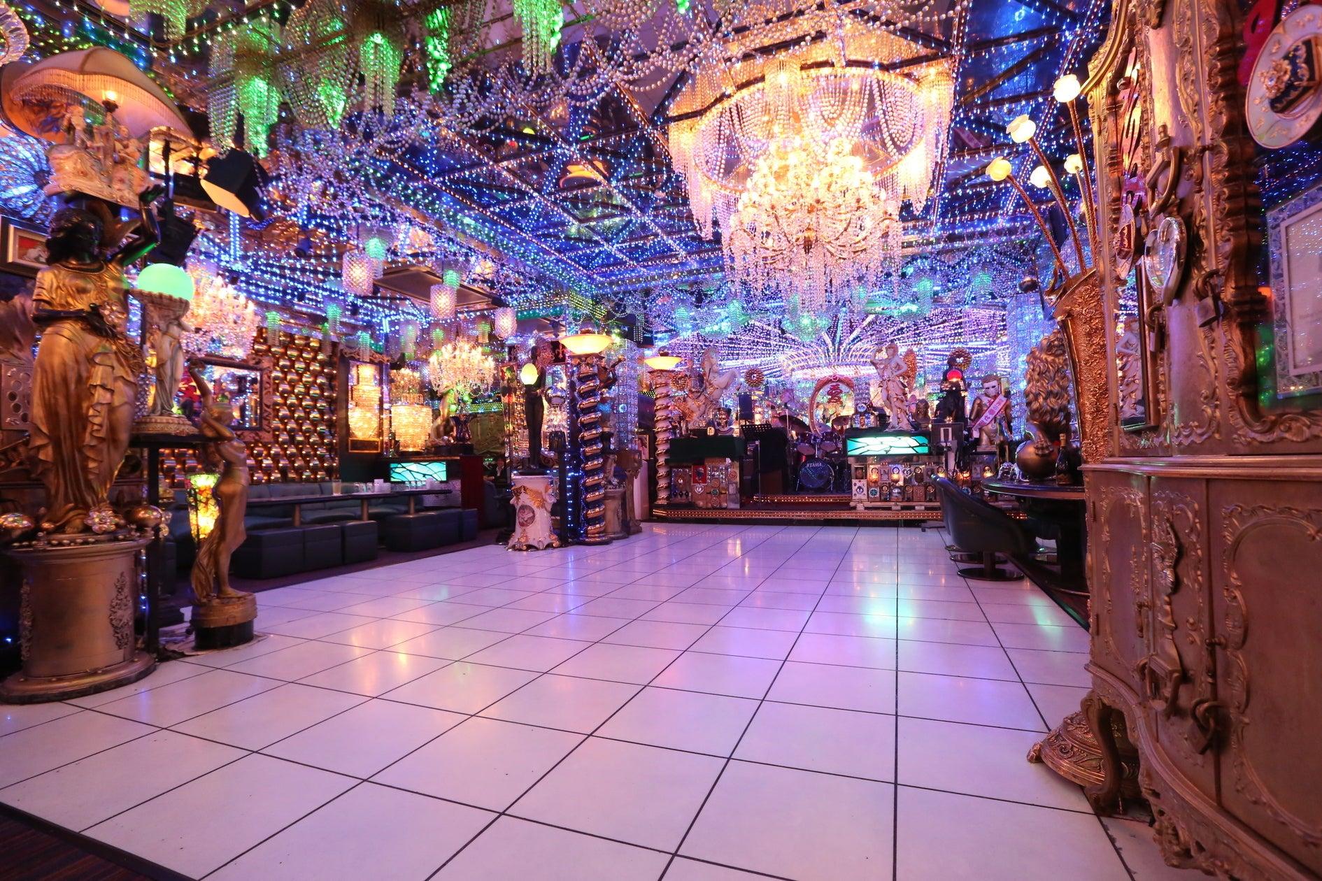 【新宿・歌舞伎町】200坪の老舗ホストクラブ、全方位インスタ映えする空間、ダンスホール有り 撮影/クラブイベントでも使用実績有り(【新宿・歌舞伎町】もっとも有名なホストクラブ、高級感のある豪華な空間/JR新宿駅徒歩8分) の写真0