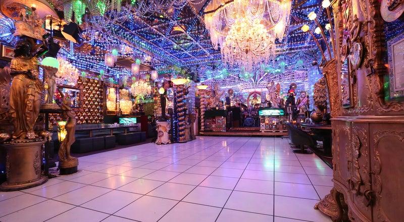 【新宿・歌舞伎町】200坪の老舗ホストクラブ、全方位インスタ映えする空間、ダンスホール有り 撮影/クラブイベントでも使用実績有り