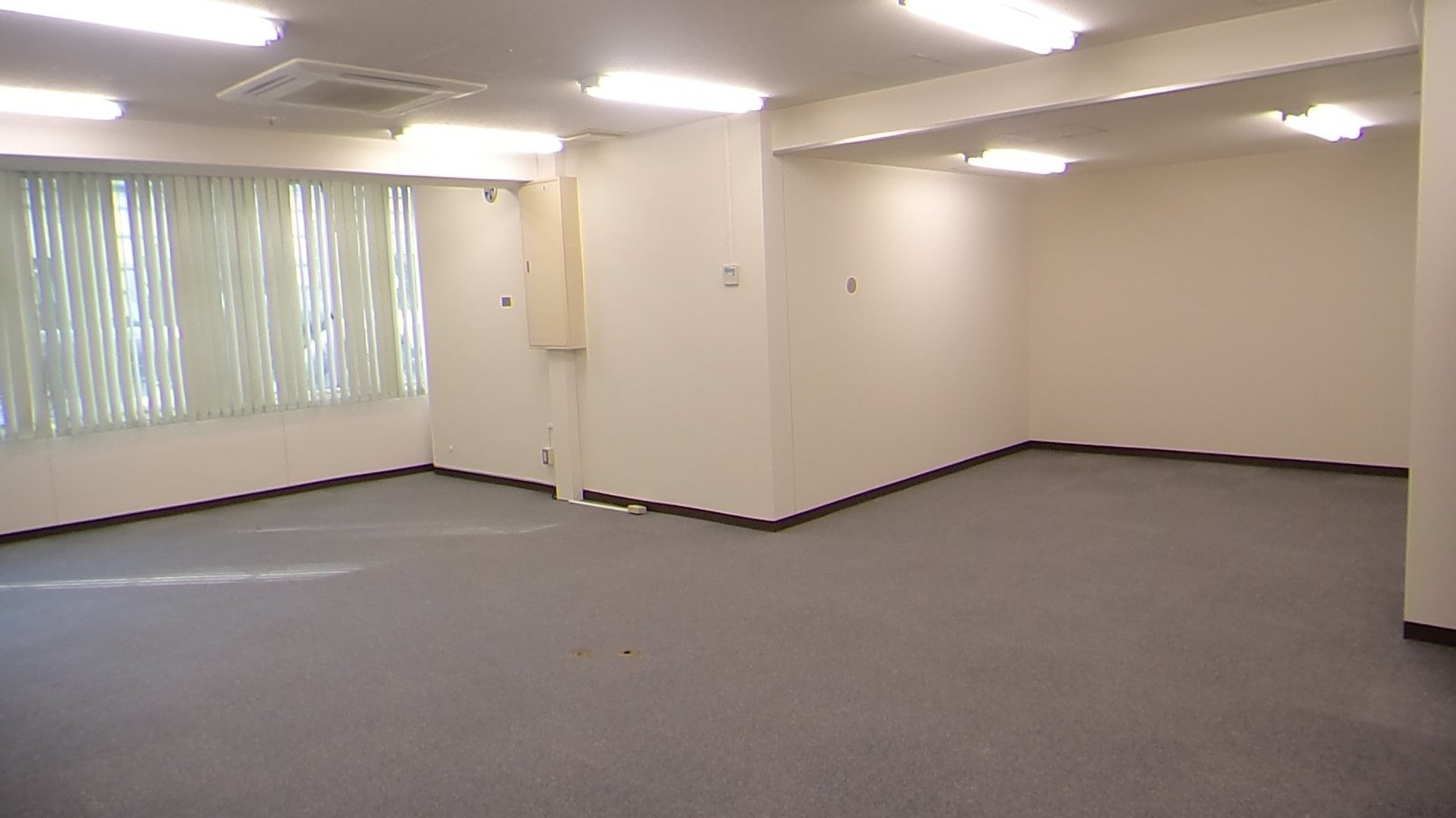 【静岡駅北口8分】4階小会議室②/完全個室【静岡県庁近く】