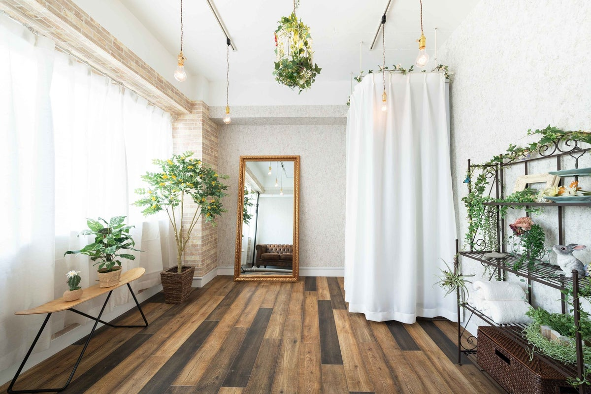 【apps Bst】自然光が美しい上品なボタニカル調、使いやすさ◎地域最安値で最高内装空間! の写真