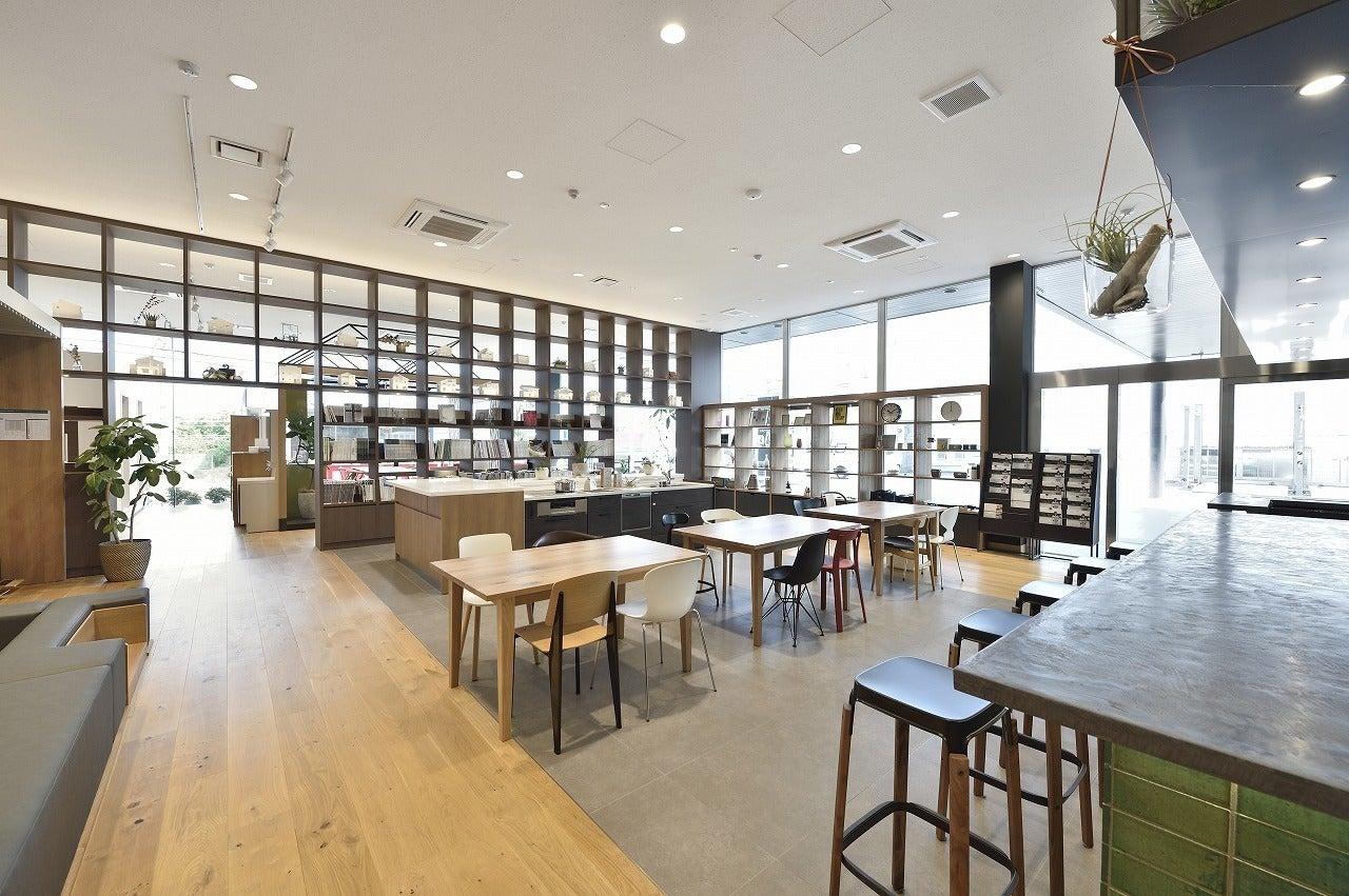カフェ併設のおしゃれで綺麗なフリースペース!ワークショップやママ会などにおすすめ(カフェ併設のおしゃれで綺麗なフリースペース!ワークショップやママ会などにおすすめ) の写真0