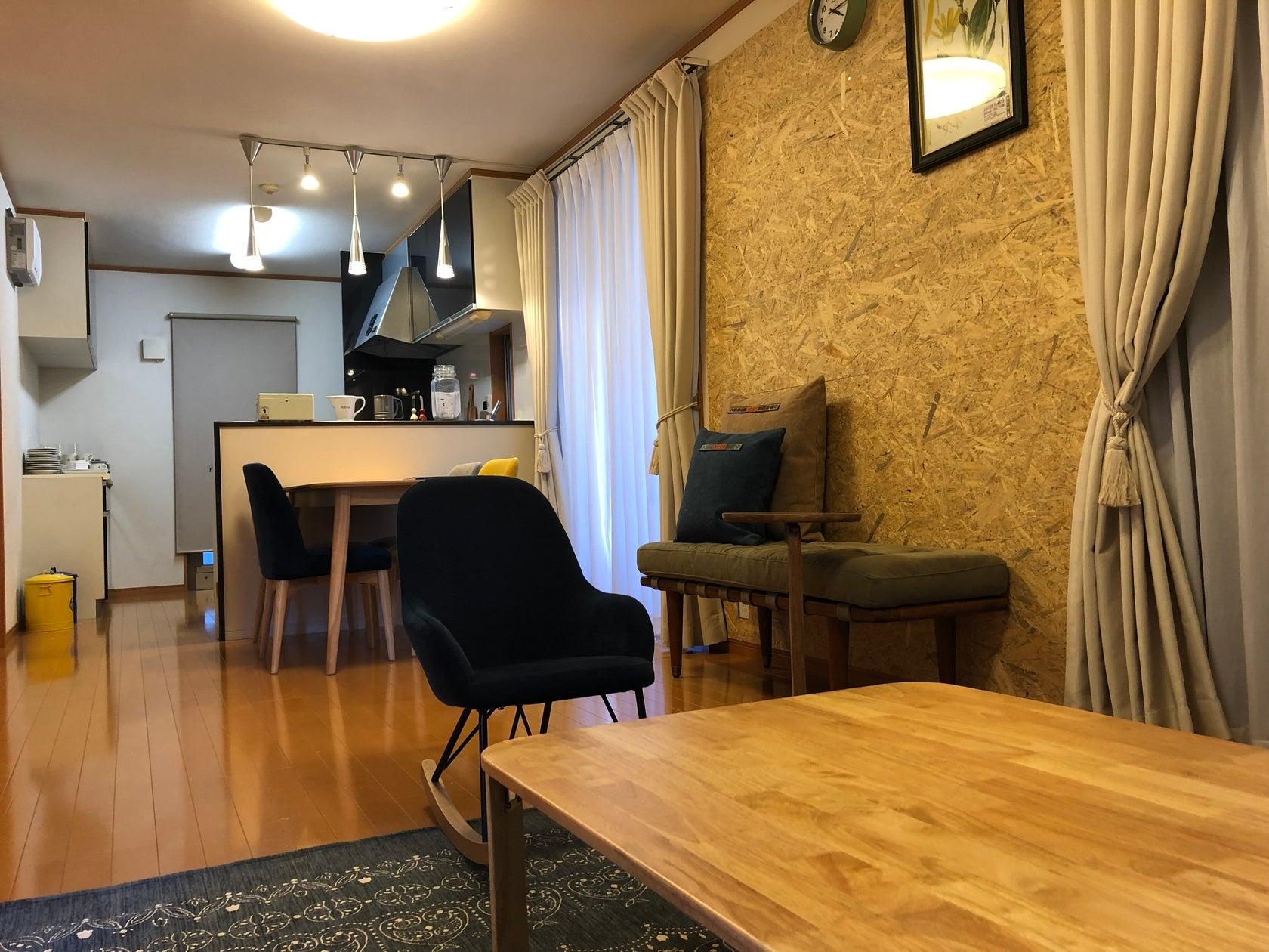 【小平駅徒歩10分】DULTONとコラボした独自な食器や家具のあるお部屋です。広いリビングから屋根裏までご自由にお使いください!