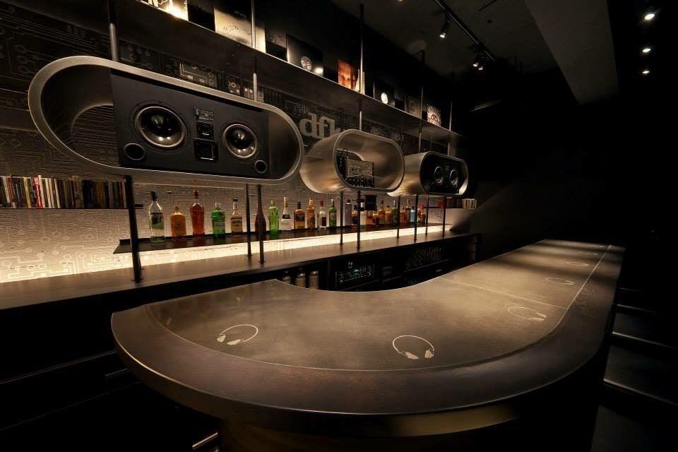 音響と内装デザインにこだわった大阪梅田のテクノ音楽バーです。 の写真
