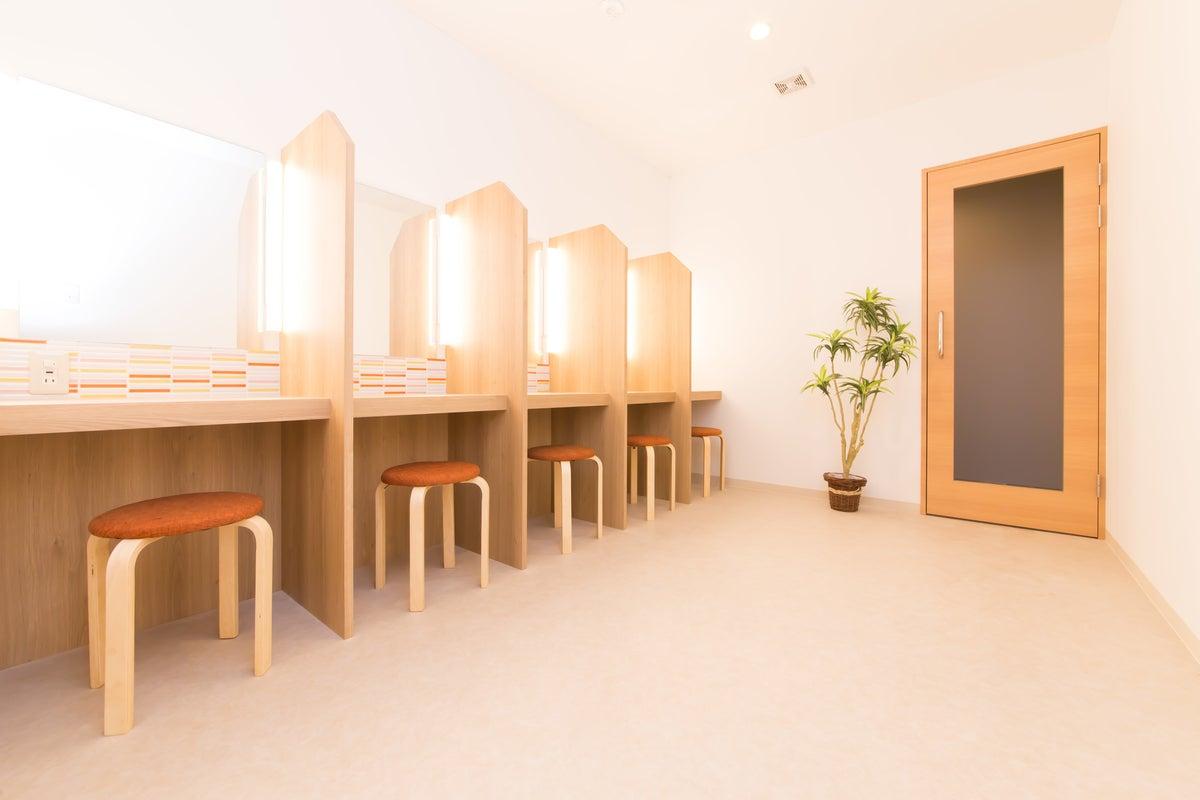 完全個室ネットカフェ『キャビNET』 の写真
