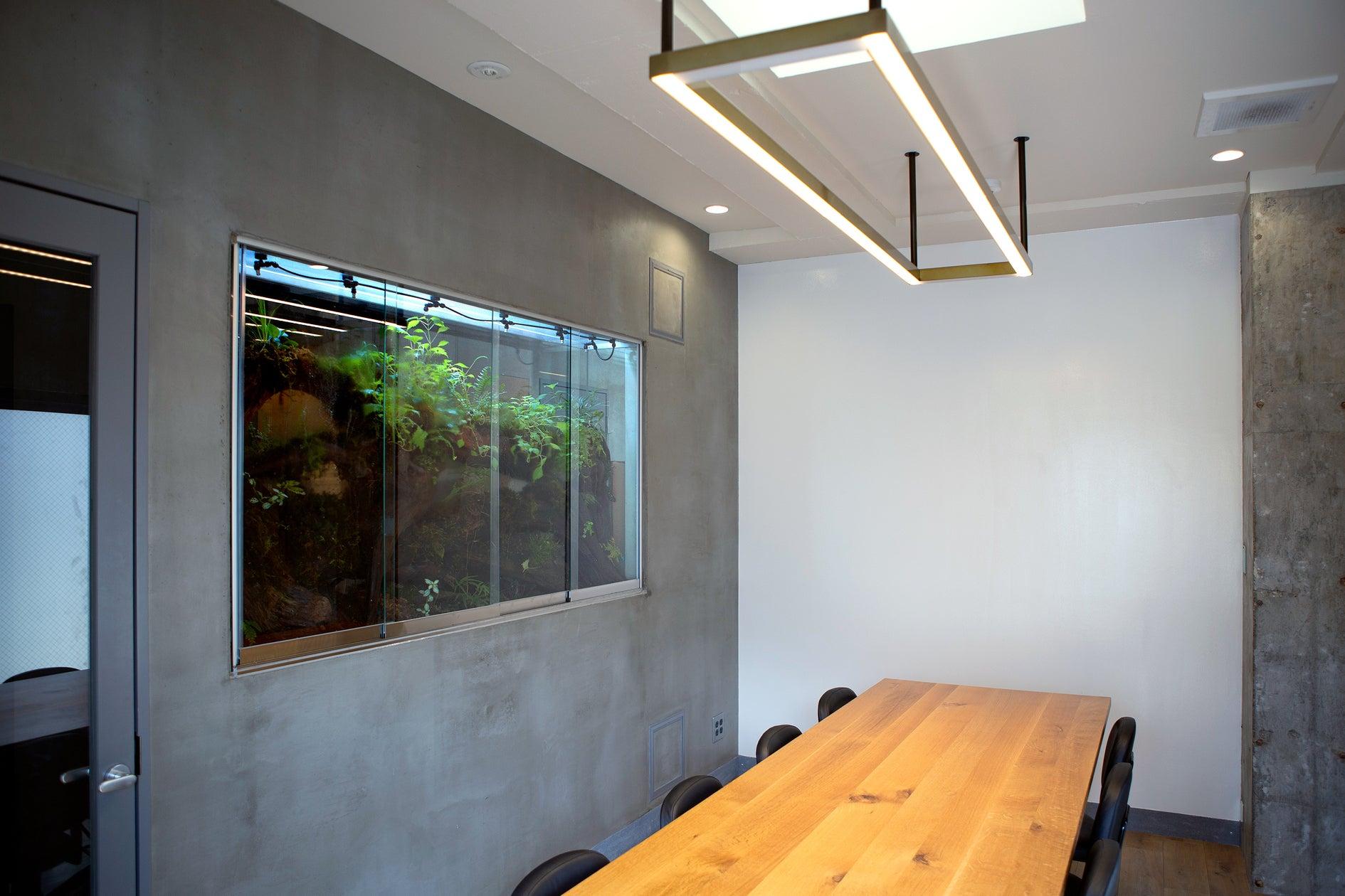 【表参道駅3分・渋谷駅徒歩圏内】パルダリウムに癒される会議室・コワーキングスペース・バルコニーでの喫煙可。