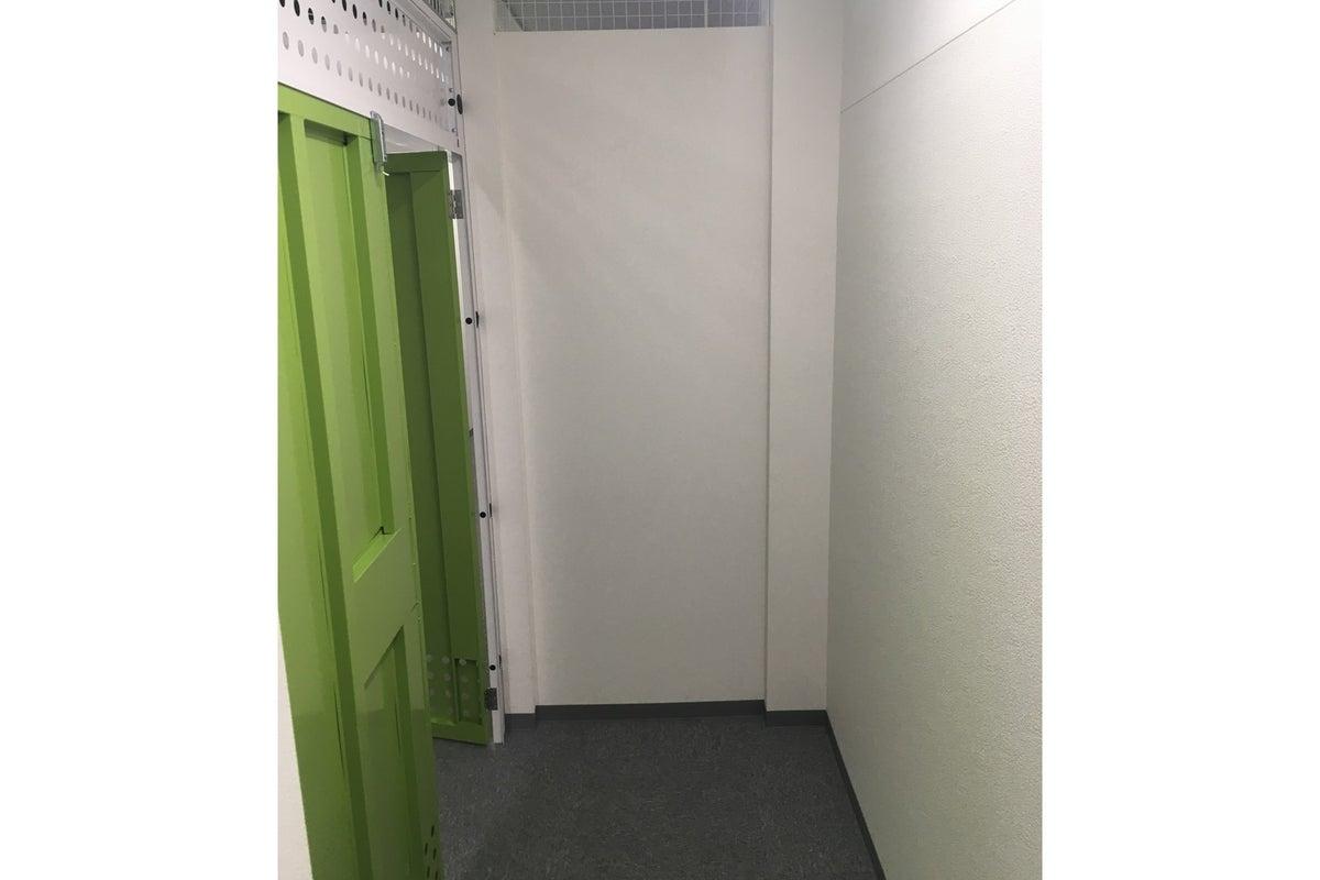 キーピット調布成城 203 【1時間、1日単位で屋内型トランクルームをレンタル】 の写真