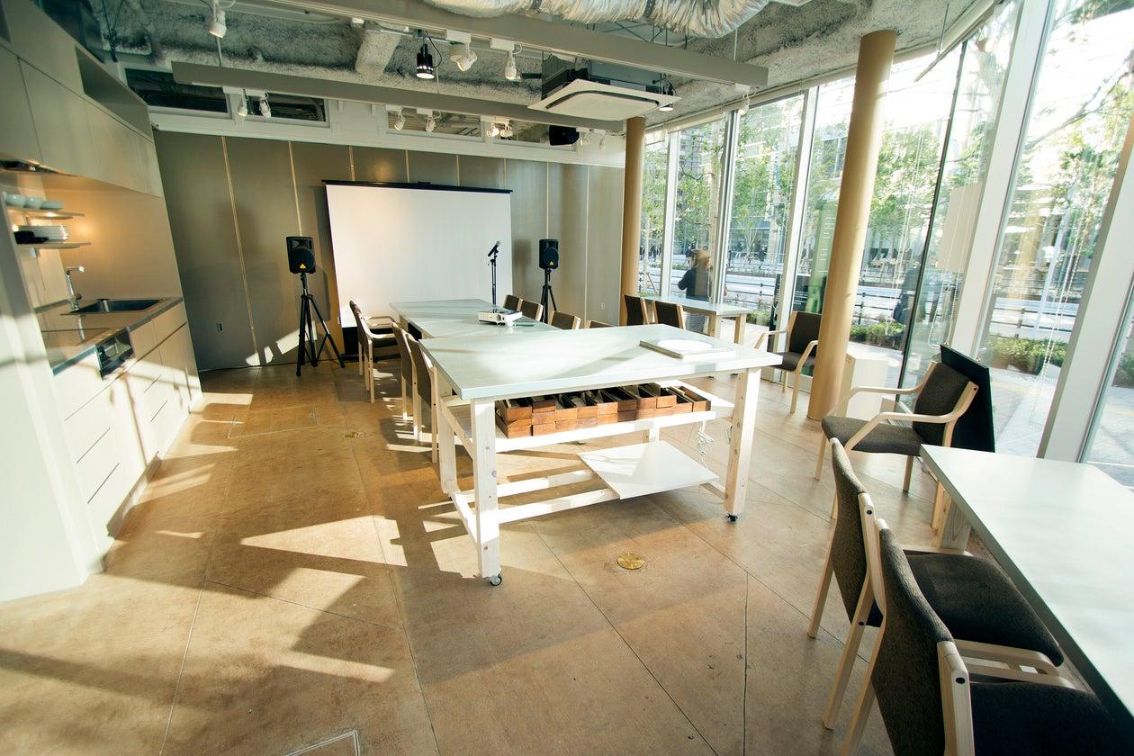 【大崎】ROOM1/開放感のあるキッチンつきカフェスペース。持ち込みパーティやビジネスコミュニケーションなどに。(CAFE&HALL OURS) の写真0