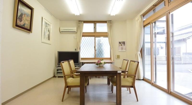 簡易キッチンも有ります!会議利用や商談スペースに最適!玉津ICからすぐ