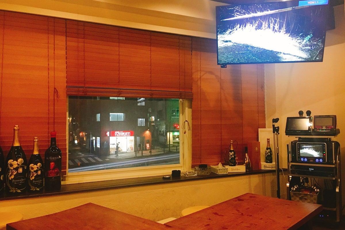 136【スペレンKaraoke六本木】NEW✨/駅近/カラオケ🎵/Party🎉/食事会/最大12名/Bar/貸し切り の写真