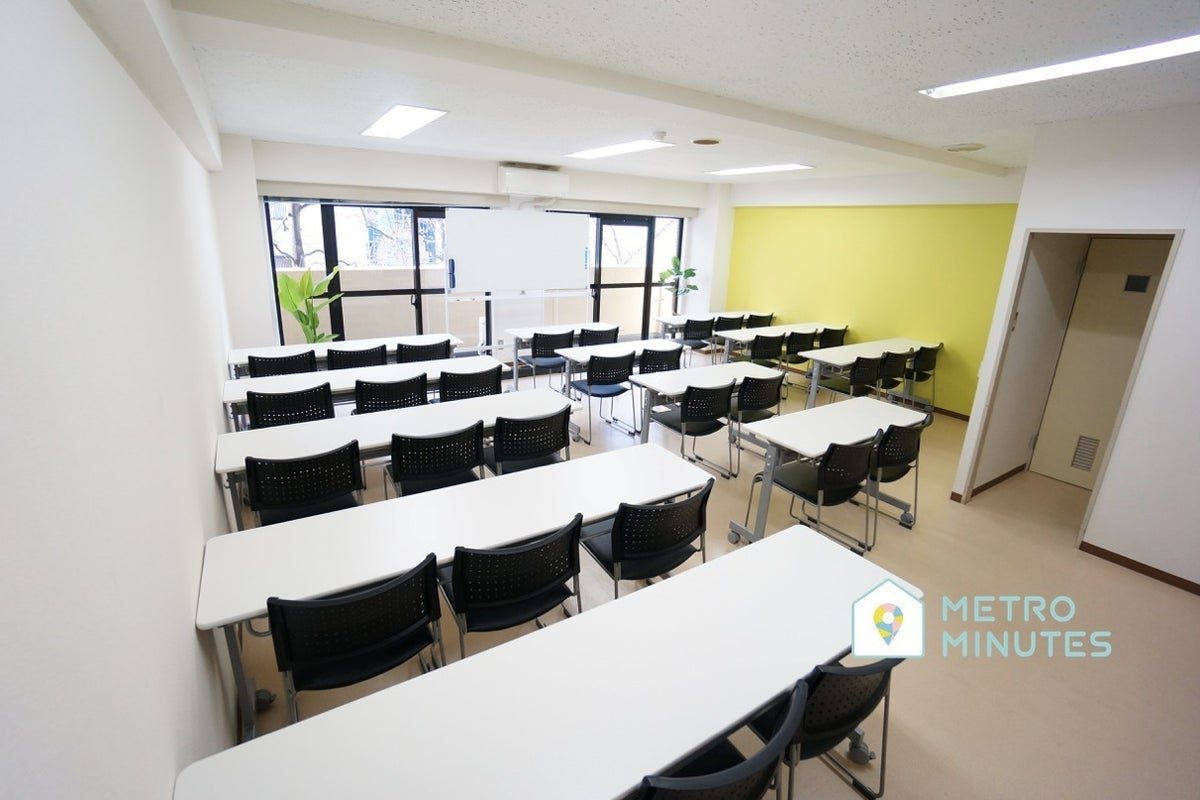 <ゲルプ会議室>⭐️32名収容⭐仙台駅より徒歩5分♪wifi/ホワイトボード/プロジェクタ無料 の写真
