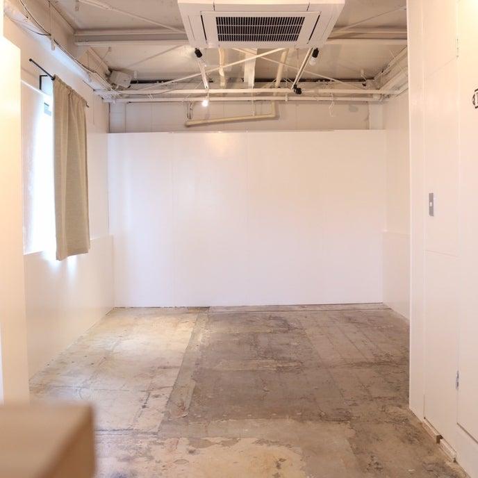 1Fにカフェが併設されたビルの3Fのスペースになります。