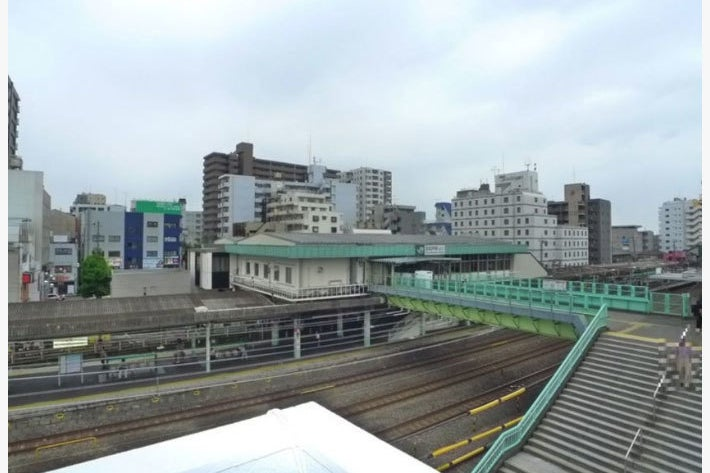 千代田線駅前27畳の事務所スペース!バルコニーは32畳!各種会議・イベントスペースにいかがでしょうか? の写真