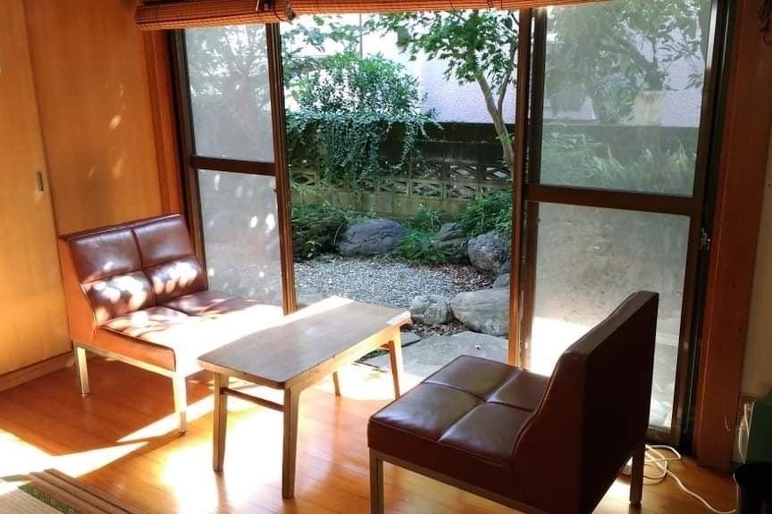 【市川/本八幡/菅野】駅徒歩3分!キッチン・庭付きの古民家風スペースです。ママ会・講座・ヨガ・研修 の写真