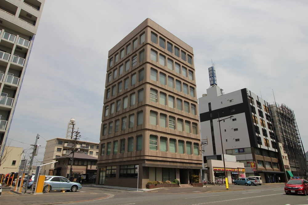 JR小倉駅から徒歩5分♪無料WIFI・プロジェクター・スクリーン・エアコン・空気清浄機完備  C01 の写真