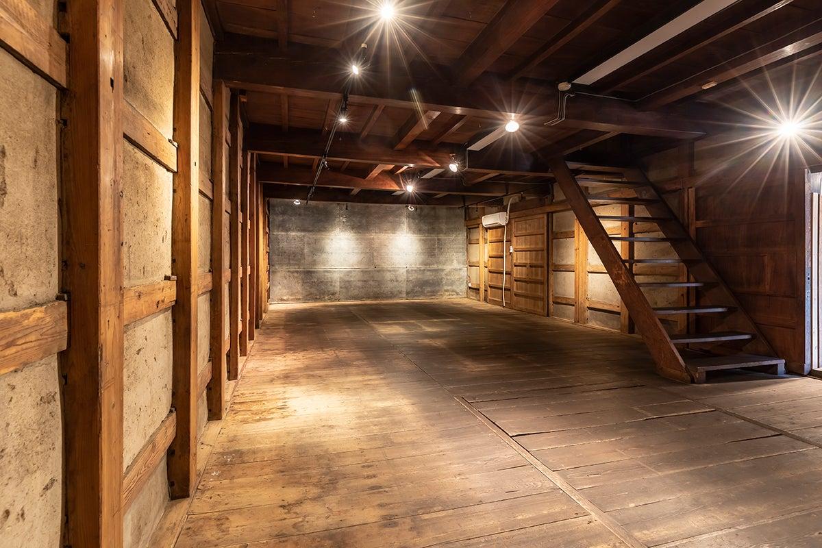 150年の歴史ある[ 蔵 ]をレンタルスペースで貸し出します!個展•パーティー•イベント•撮影などにご利用ください。 の写真