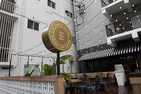 【沖縄】ESTINATE HOTEL 1Fテラス席【ワークショップ/ヨガ/様々な会議など】 の写真
