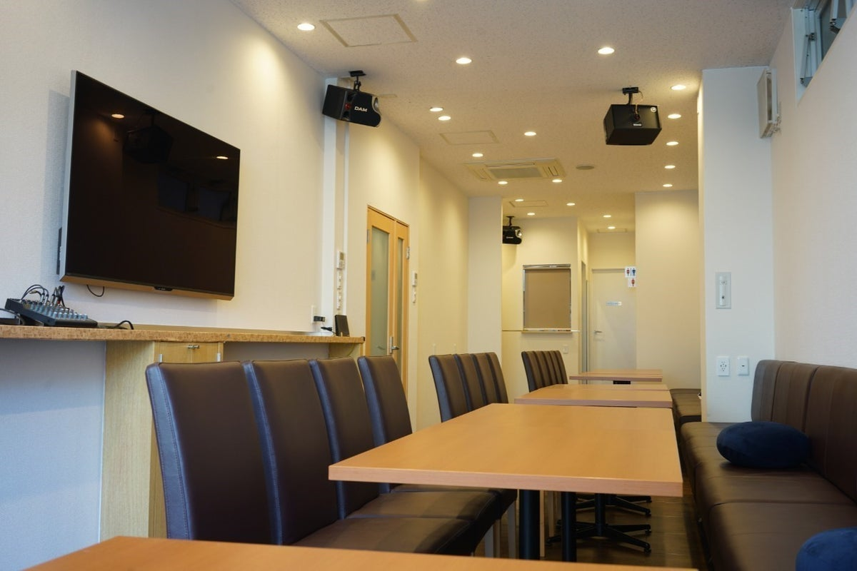 【新規OPEN亀戸4分】最大35名着席イベントスペース/パーティー/キッチン/60型モニター&音響wifi の写真