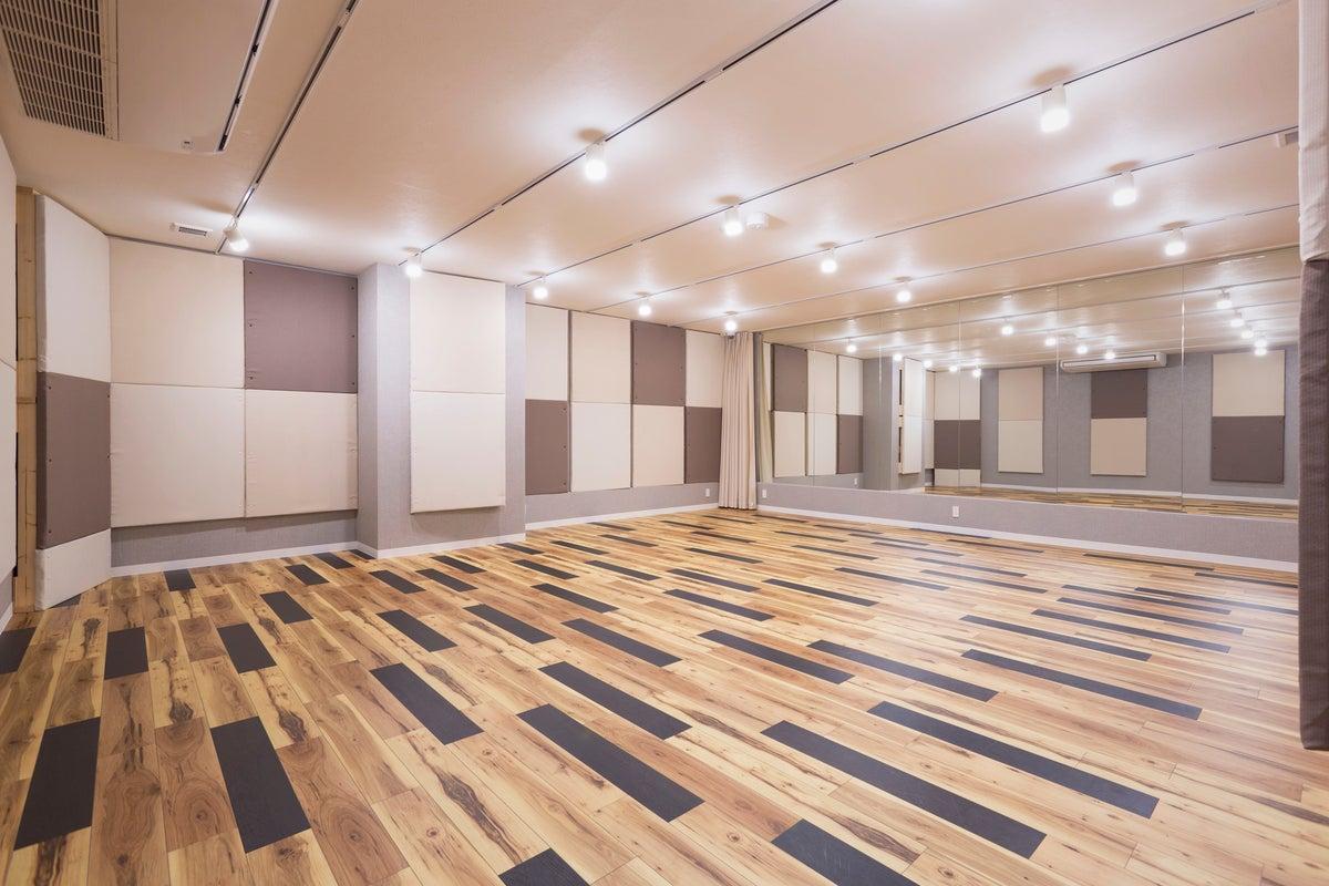 【Ast.】千葉駅前!完全防音・楽器OK・ダンスOK・昨年秋OPENの綺麗なスタジオ♪ <広々65㎡> の写真