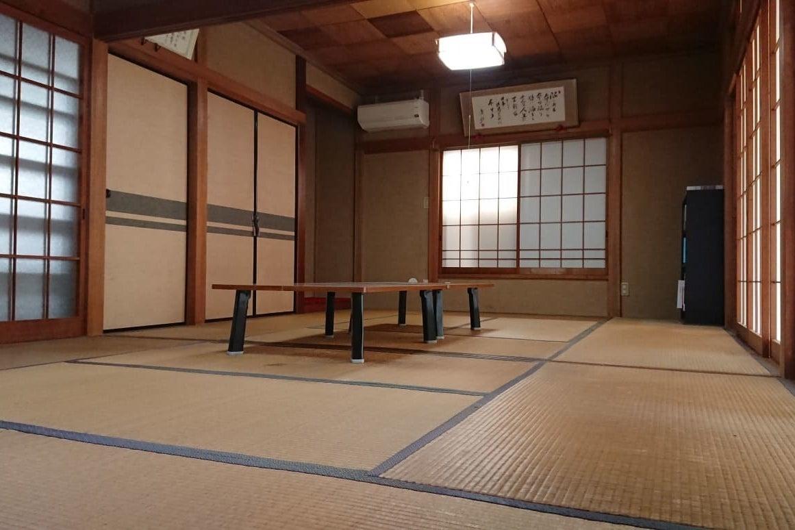 縁側からやさしい光の入る和室です。6+8畳で宴会や打合せなどゆっくり過ごせます。 | スペースマーケット