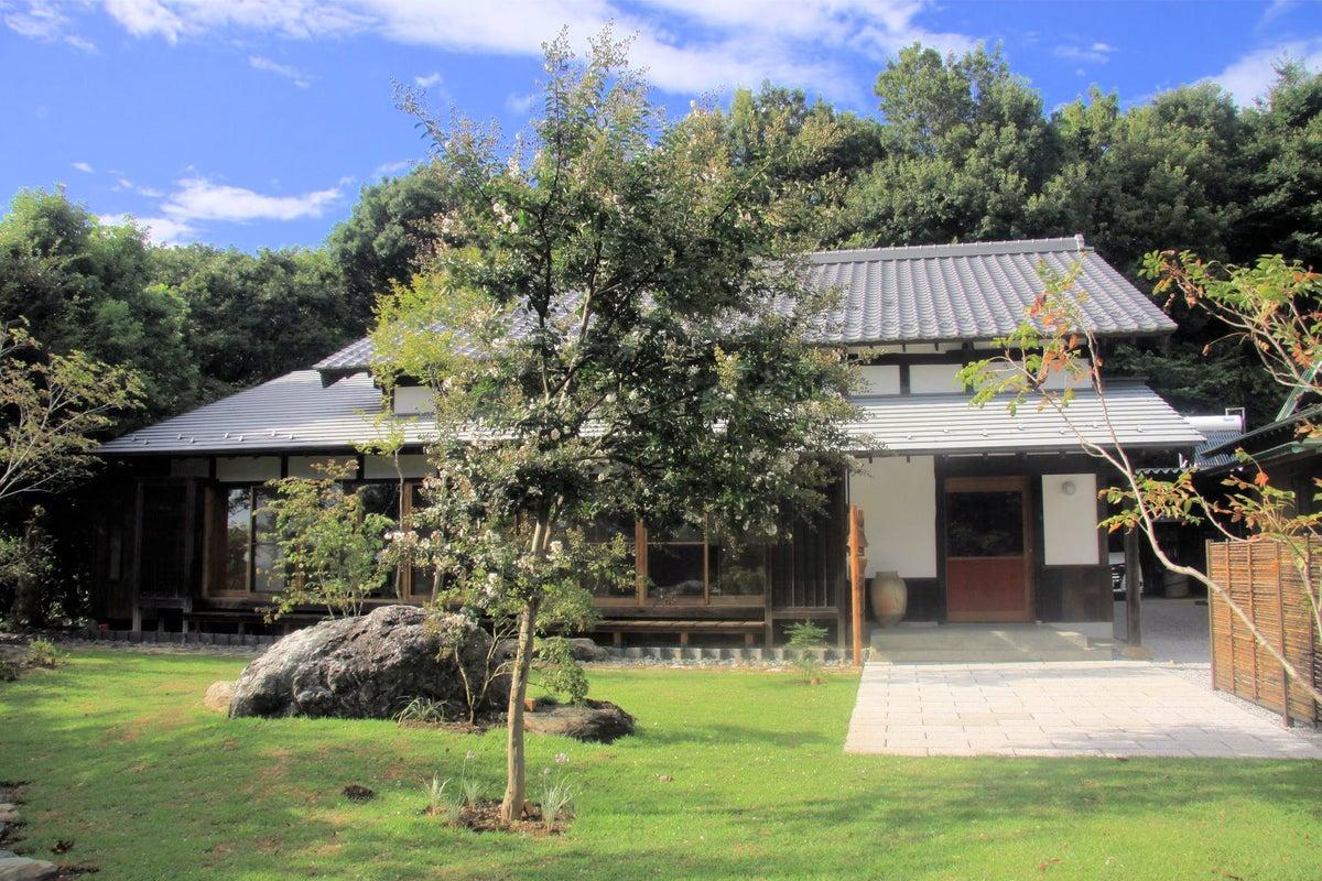 庭園あり築100年の古民家をお寺にリノベ!新しいアイディアには古い建物を! の写真